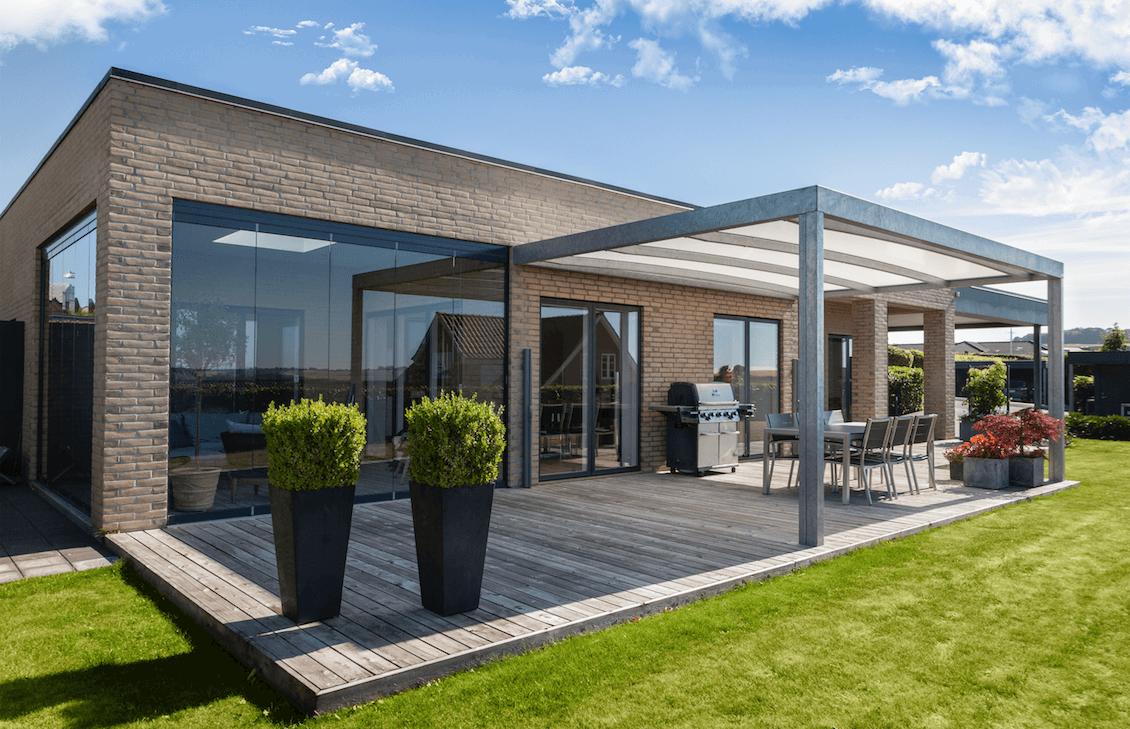 Overdækket terrasse i stål med 15 års garanti
